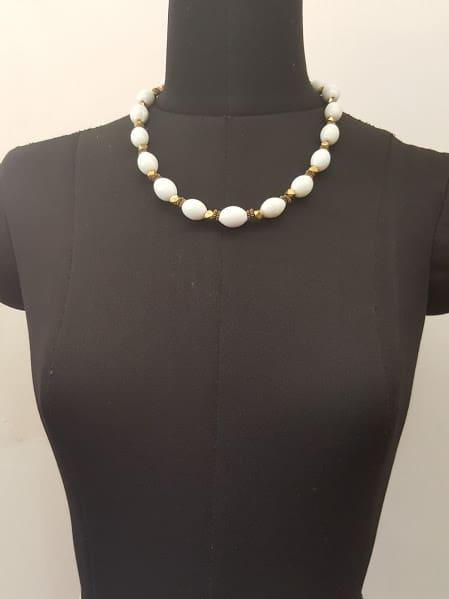 white short chain -0