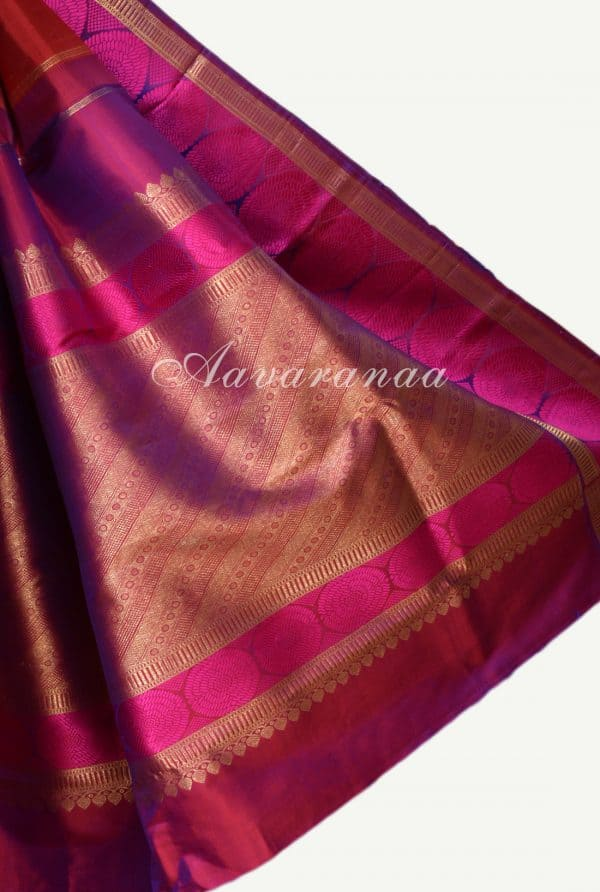 Red kanchi silk saree with majenta circle thread border-17316