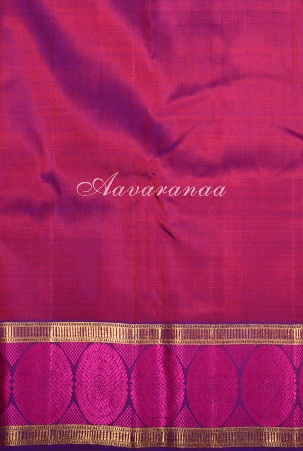 Red kanchi silk saree with majenta circle thread border-17317