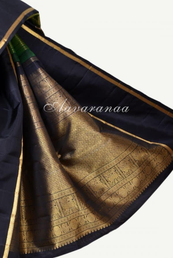 Green thread woven kanchipuram silk saree -17351