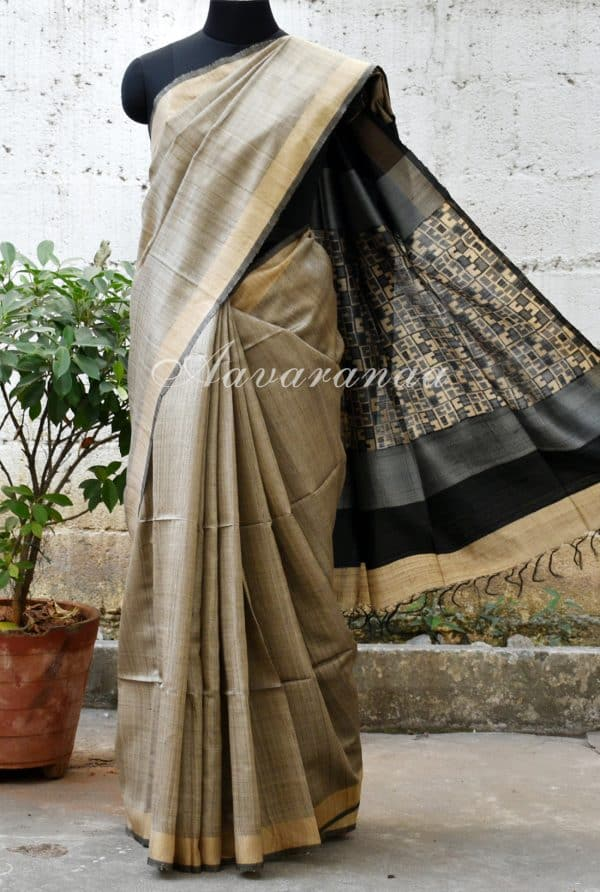 Plain grey tussar with black pallu saree-0