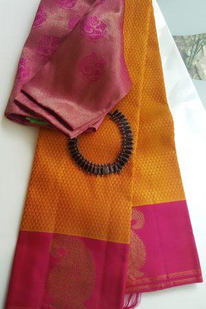 Mustard jacquard weave kanchi silk saree with mango border4