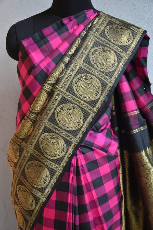 pink and black one side checks kanchi silk saree1