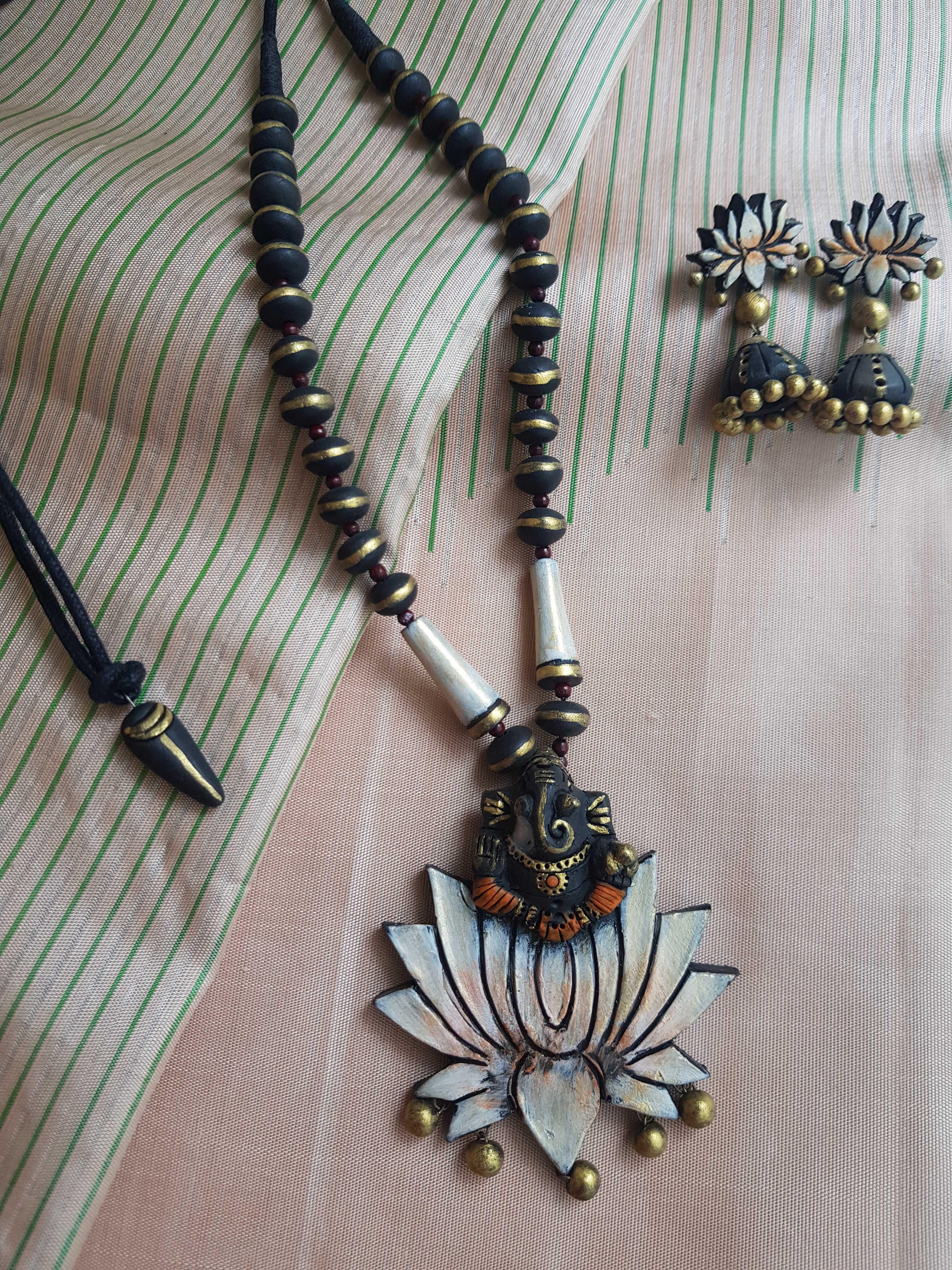 Black and white pillaiyar lotus terracotta necklace1