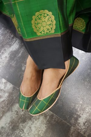 Dark green kancheepuram silk footwear