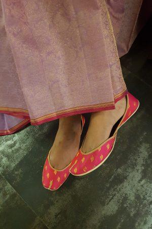Pink kancheepuram silk footwear