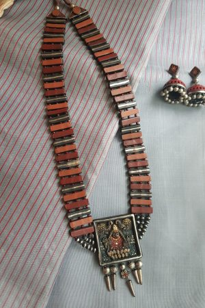 Red and grey lakshmi terracotta necklace1