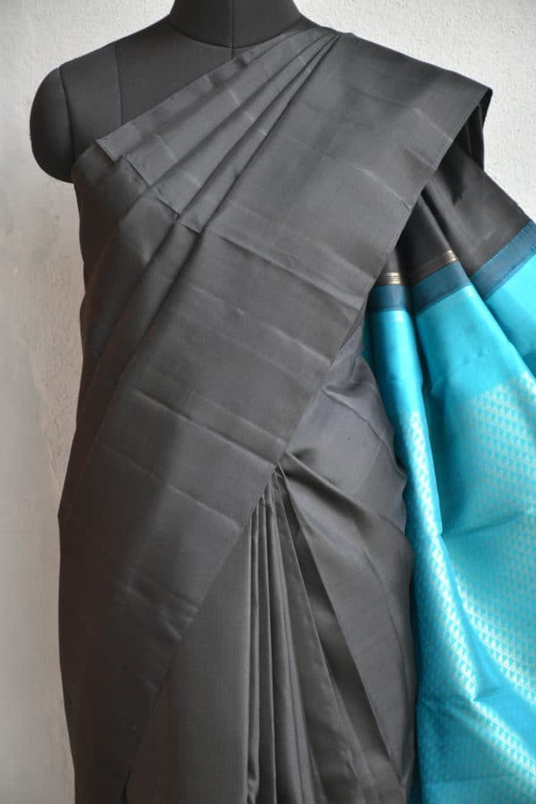 Black plain kanchi silk saree with teal rich pallu 3