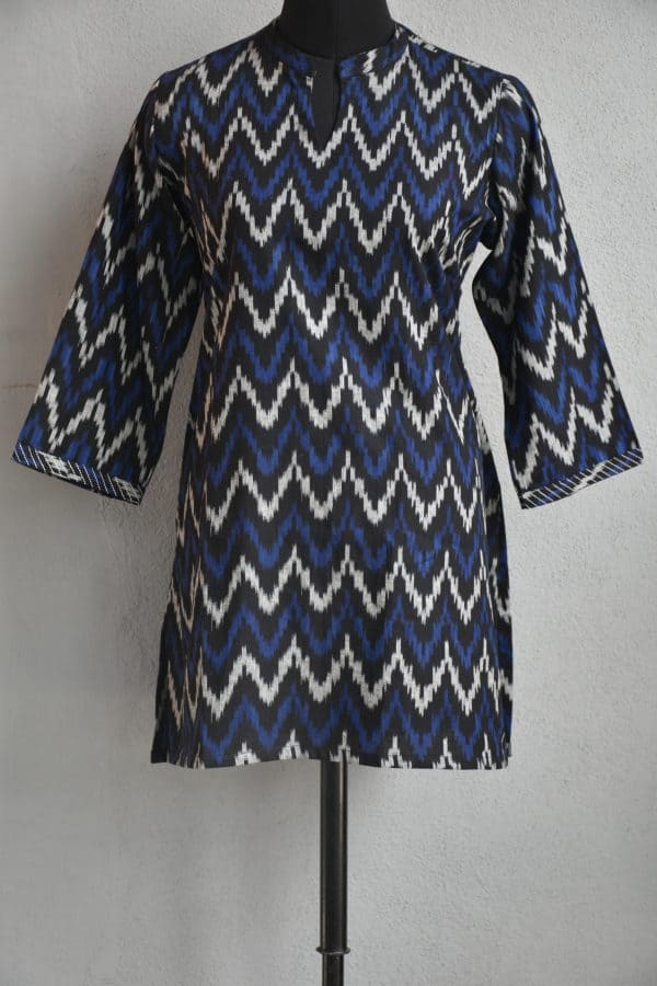 Blue and beige zig zag ikat cotton short kurta
