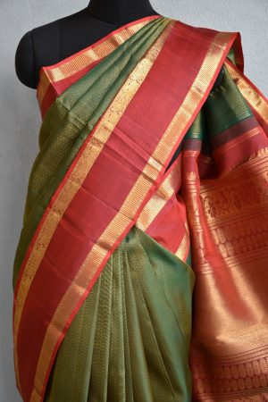 Bottle green brocade kancheepuram silk saree with red border 3