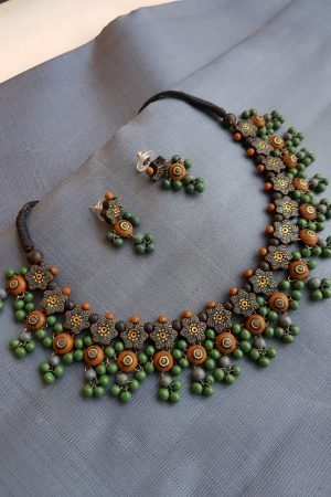 Green terracotta beads chain