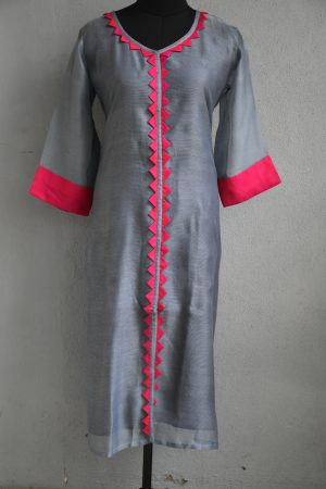 Grey and pink supernet kurta