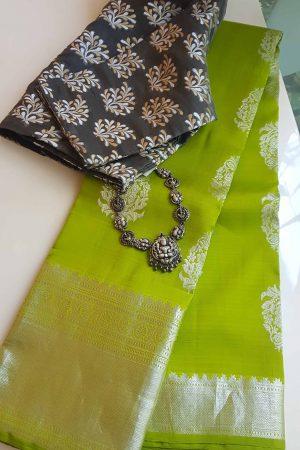 silver necklace nagas