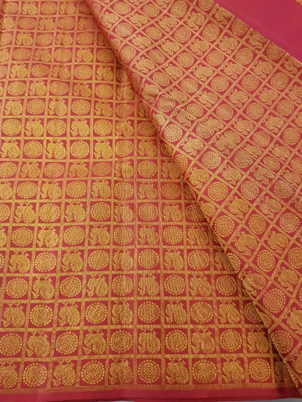 Aracku mayil chakram kanchi silk zari fabric