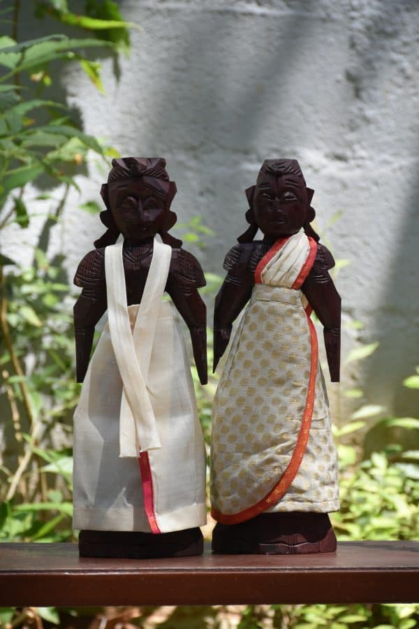 white marapatchi dolls