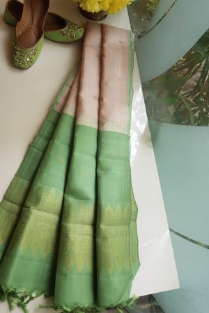 Cream kanchi silk dupatta with green pallu