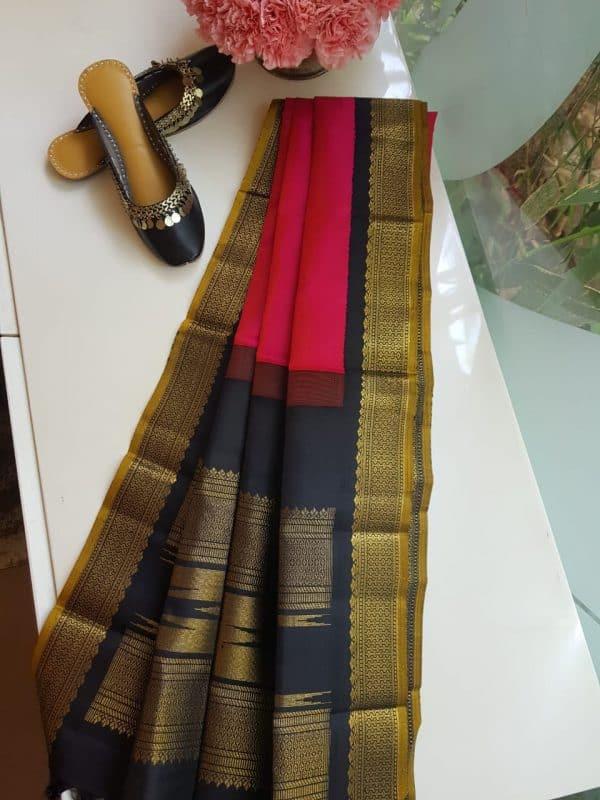 Pink Kancheepuram silk dupatta with black korvai border