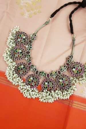 Navratna necklace with pearls