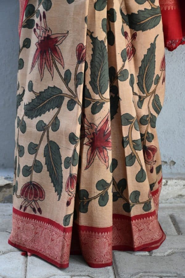 Beige with red thread woven korvai kanchi silk saree with kalamkari 2