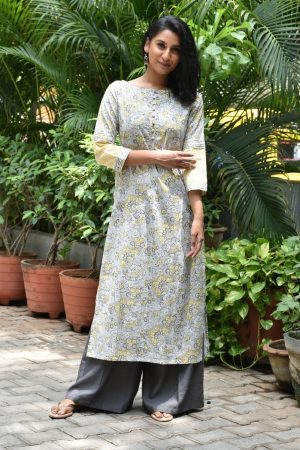 Beige cotton kurta with grey flowers 2