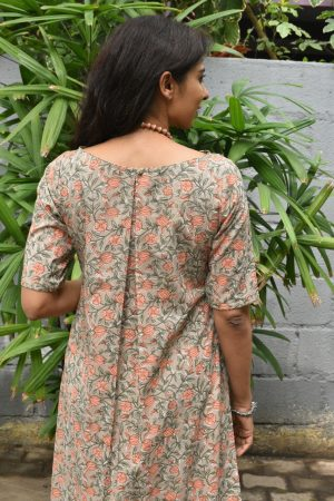 Beige printed cotton kurta with peach flowers