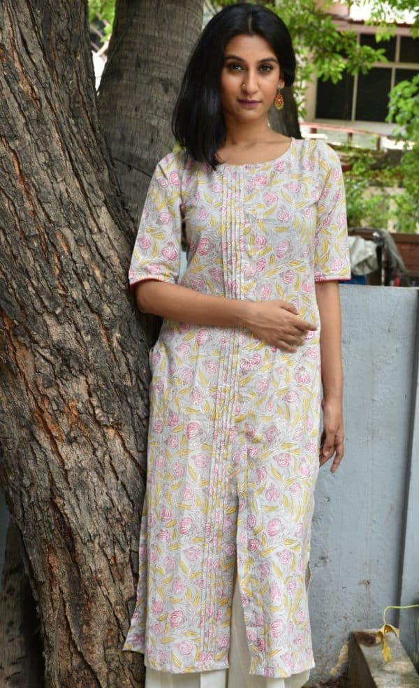 Beige printed cotton kurta with pink flowers