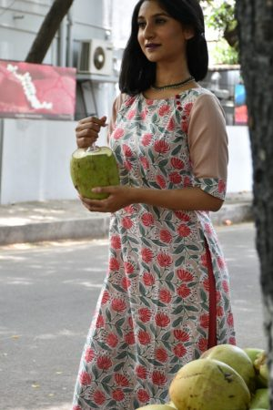 Beige printed cotton kurta with red flowers