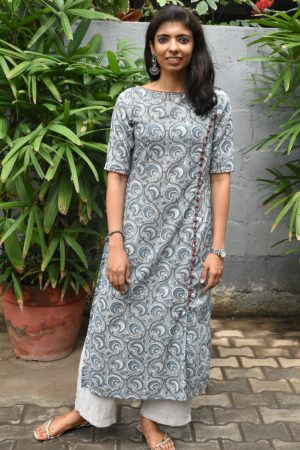 Grey cotton printed kurta with red detailing