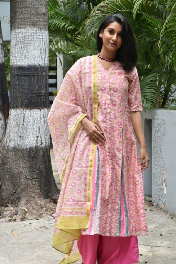 Pink chandheri kurta with dupatta