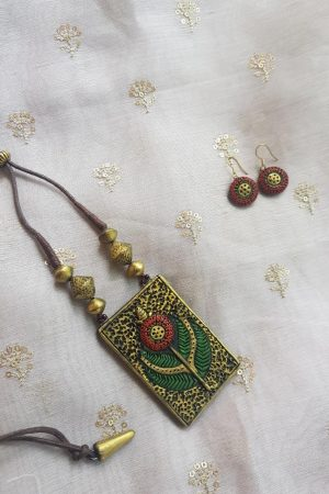 green and gold small terracotta set