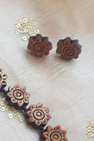 orange terracotta flower necklace 1