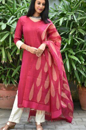 Maroon mangalagiri silk kurta with ikat silk dupatta