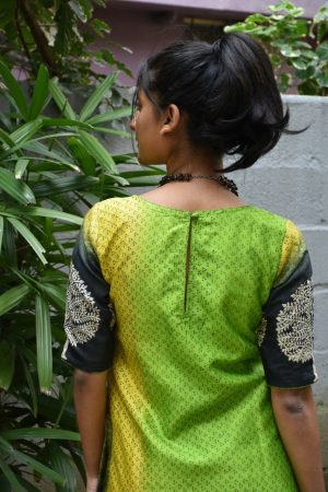 Green shaded kurta with grey tussar dupatta 1