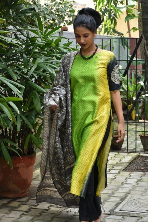 Green shaded kurta with grey tussar dupatta