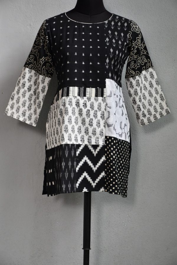 Black and white printed tunic