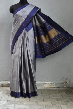 Grey zero zari kanchi silk saree with navy border 1