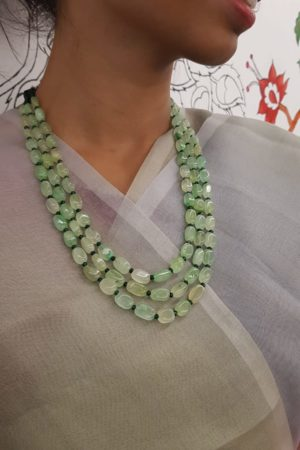 Pale green bead layers 1