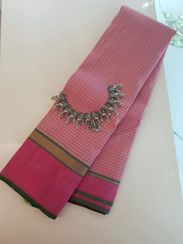Dusty pink checks kanchipuram silk saree with pink border3