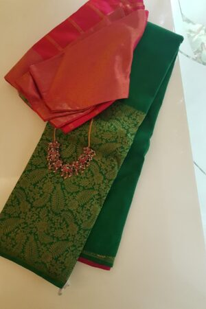 Green kanchipuram silk saree with contrast blouse 2