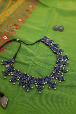 Terracotta necklace in blue