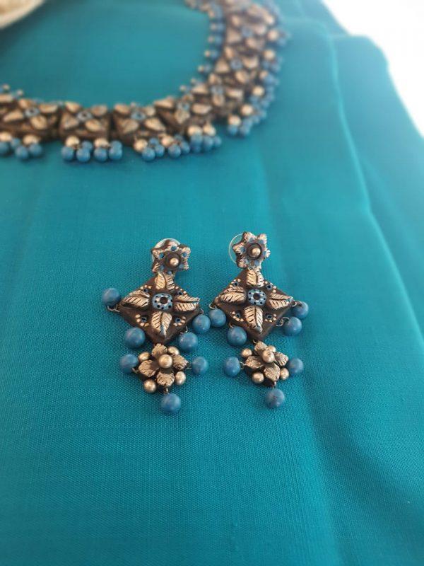 Turquoise blue neck piecein terracotta2