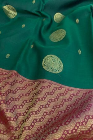 Bottle green and maroon one side border kanchipuram silk saree1