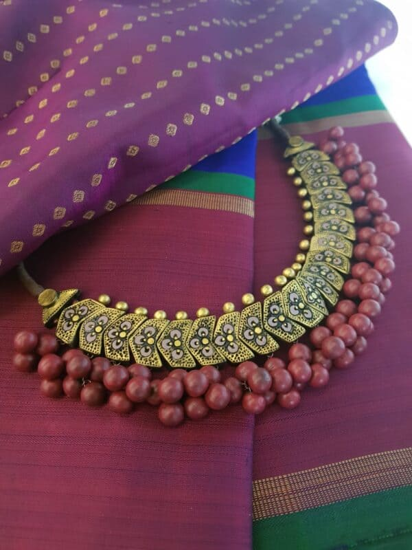 Maroon beads terracotta necklace