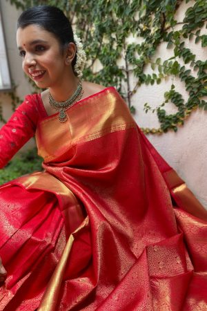 Red kanchipuram silk saree with brocade design