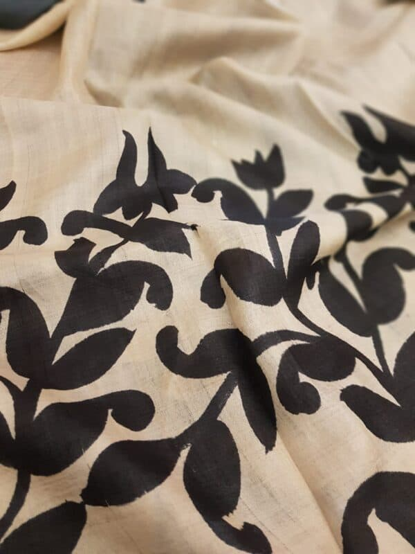 Black printed tussar saree1