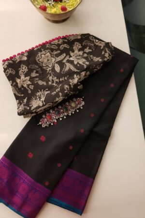 Black soft silk saree with pink buttis4