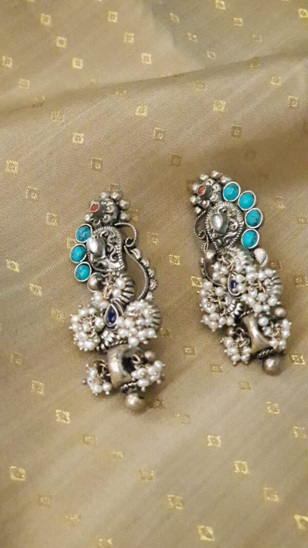 Silver earrings with pearls and turquoise