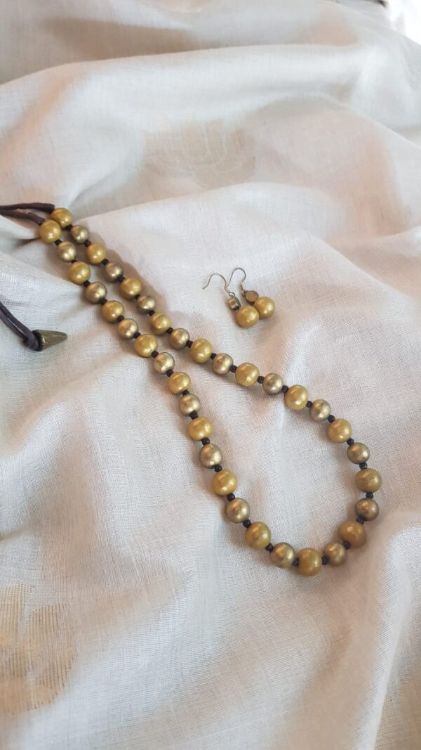 golden beads terracotta