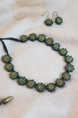 olive green flower necklace