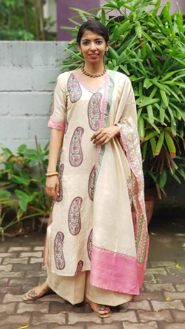 Beige tussar with paisley prints